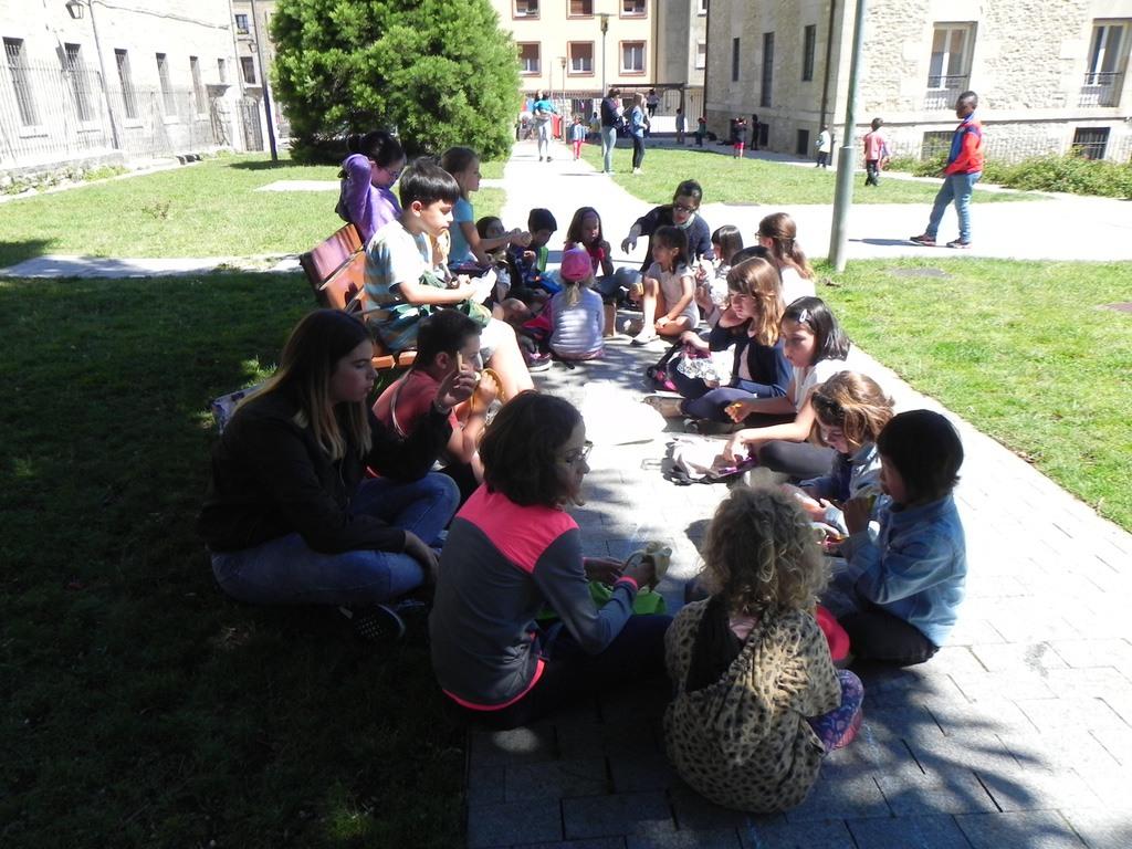 Almuerzo En El Parque00