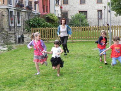 Jugando En El Parque03